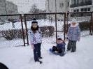Zimowe zabawy na śniegu _1