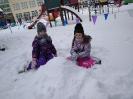 Zimowe zabawy na śniegu _7