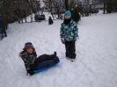 Zimowe zabawy na śniegu _8